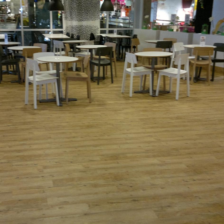 nestler bodenbel ge dresden cossebaude fussbodenbelag wie laminat parkett teppichboden. Black Bedroom Furniture Sets. Home Design Ideas